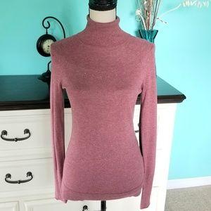 💖 Banana Republic Light Weight Turtleneck Sweater